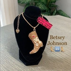 Betsey Johnson Cute Cowgirl Boot Necklace 👢🆕👢